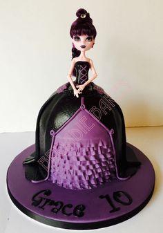 Monster High Elissabat doll cake