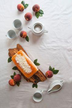 La asaltante de dulces: Receta de tarta helada de melocotón y chocolate blanco/ No bake peach & white chocolate. Yummy!