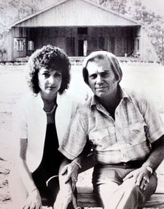 George Jones and wife Nancy in front of the stage at Jones Country Park in 1983 Country Western Singers, Best Country Singers, Best Country Music, Country Musicians, Country Music Artists, Country Music Stars, George Jones, Dolly Parton Kenny Rogers, Tammy Wynette