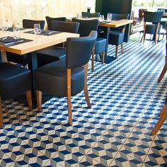 bilder k ksbaren vives azulejos y gres palau celeste 20x20 cm pavimento hidr ulico. Black Bedroom Furniture Sets. Home Design Ideas