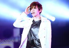 12.07.12 Yeosu Expo Pop Festival (cr: baekhyun stage: byunbaekhyun.com)