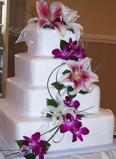 this should be simple to make.  no fancy designs, just pretty flowers cascading down.