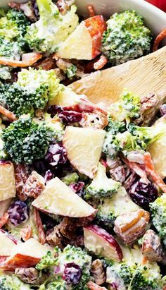 Save this broccoli apple salad recipe with pecans, cranberries + carrots for a healthy lunch or dinner option. New Recipes, Salad Recipes, Vegetarian Recipes, Cooking Recipes, Healthy Recipes, Recipies, Healthy Salads, Healthy Eating, Healthy Broccoli Salad