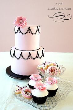 Pretty Pink Cake with Black Piping