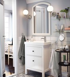 A spa retreat right in your own home - it's possible! Find clever IKEA products and ideas for you to furnish and organize your bathroom, just the way you want it. Small Bathroom Sinks, Ikea Bathroom, Upstairs Bathrooms, Bathroom Furniture, Interior Room Decoration, Bathroom Interior Design, Home Decor Bedroom, Ikea Inspiration, Bathroom Inspiration