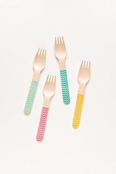 Chic alternative to plastic Cutlery! Classic Chevron  20 Wooden Forks Spoons Or Knives  by SucreShop