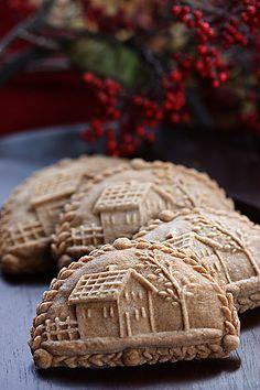 Jak Zarobić, Kupony Rabatowe, Konkursy z Nagrodami, ivnet. Holland's unique and delicious cookies. Cookie Desserts, Just Desserts, Cookie Recipes, Springerle Cookies, Galletas Cookies, Yummy Cookies, Cake Cookies, Dutch Cookies, Christmas Gingerbread