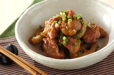 柔らかい鶏肉とレンコンのシャキシャキ食感が楽しめる一品。甘辛くてご飯が進みます。鶏とレンコンの甘辛炒め/保田 美幸のレシピ。[和食/炒めもの]2013.02.27公開のレシピです。