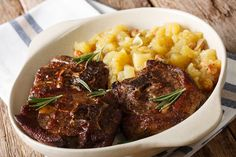 The chutney gives the lamb chops both a sweet and vinegar tang - and the meat will just fall off the bone. Serve with mashed potato. Slow Cooked Lamb Chops, Lamb Chops Slow Cooker, Crockpot Lamb, Slow Cooker Curry, Lamb Loin Chops, Healthy Slow Cooker, Slow Cooker Beef, Lamb Recipes, Baked Chicken Recipes