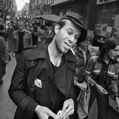 'i'd rather have a bottle in front of me than a frontal lobotomy.' | tom waits | amsterdam 1977 | foto: claude vanheye