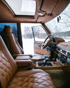 inside of a land rover Range Rover Classic, Range Rover Off Road, Range Rover Sport, Range Rovers, Classic Interior, Interior Trim, Lincoln Suv, Range Rover Interior, Land Rover Defender 110