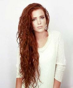 Long hairs and with curly hairs unique hairstyles for 2017