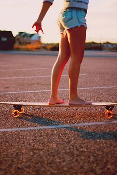 A complete longboard setup takes all the guesswork out when it's time to buy a longboard. Shop our popular longboard brands now. Spring Summer, Summer Of Love, Summer Legs, Summer Goals, Summer Dream, Skate Longboard, Divas, San Diego, Skate Girl