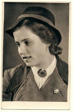 NSDAP & RAD Woman (2)