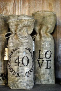 DIY Burlap Wine Bag DIY Burlap DIY Crafts  Definitely making some of these!! :)