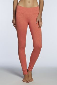 Salar Legging in a vibrant spring color - Fabletics