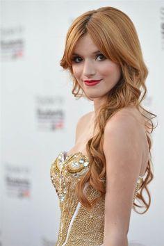 Gente para olha o cabelo da Bella Thorne, é perfeito, estou apaixonada por ele, Bella troca de cabelo comigo por favor !