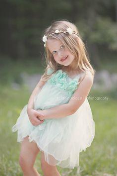 Madison & Huntsville Child Photographer. Melanie Kolowski Photography. Little girl. 2 Year Old. Toddler. Photo Session. Flower. Floral Headband.Mint Dress. Photo Shoot. Pose. Ideas.