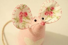 Love those ears!  Cute Pincushion Mouse Pattern by Bustle and Sew http://bustleandsew.com/patterns/clearing-up-copyright-and-pincushion-mice/