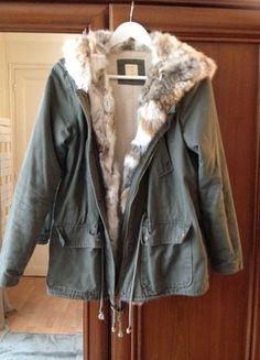 A vendre sur #vintedfrance ! http://www.vinted.fr/mode-femmes/parkas/17158138-parka-kaki-vrai-fourrure-lapin