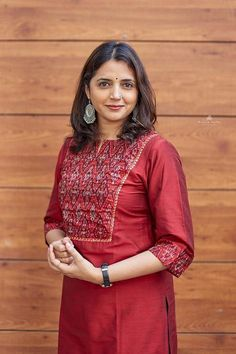 Ideas for sewing skirts women stitches Plain Kurti Designs, Silk Kurti Designs, Churidar Neck Designs, Kurta Designs Women, Salwar Designs, Kurti Designs Party Wear, Salwar Pattern, Kurta Patterns, Kurti Sleeves Design