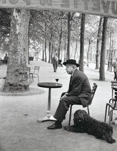 """Robert Doisneau : Jacques Prevert. """"L'oiseau qui voudrait s'enfuir"""" chanson de l'oiseleur"""
