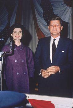 1960. 9 Novembre. Jack et Jackie. Hyannis Armory