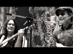 Van Halen - Beautiful Girls (live acoustic)