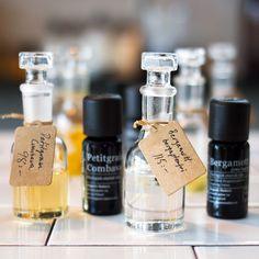 En toppnot (kan också kallas huvudnot) är det första intrycket en parfym ger och är tänkt att väcka nyfikenhet. Toppnoter är ljusa och flyktiga; de försvinner snabbt efter 10-30 minuter på huden toppnoter eterisk olja - organicmakers.se