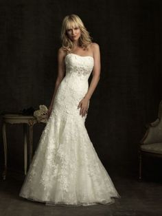 Allure 8913 Wedding Dress