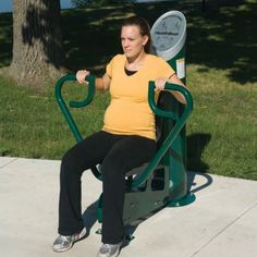 The HealthBeat™ Chest/Back Press builds upper-body strength and endurance at the park or on the playground. Created and designed for teens and adults of all fitness levels.