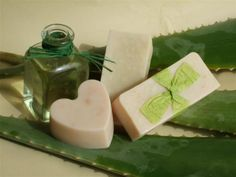 Even though natural soap and synthetic ones are generally thought to be the same, merely because they partake in the same function, there are several differences between them. To begin with, natural soap is made of naturally occurring Aloe Vera, Savon Soap, Soap Making Supplies, Homemade Soap Recipes, Soap Base, Soap Bubbles, Home Made Soap, Natural Cosmetics, Handmade Soaps