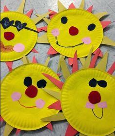 des-assiettes-en-papier-pour-fabriquer-un-soleil-couleur-jaune-et-dessin-traits-de-visage-idée-activite-manuelle-pour-enfants-maternelle