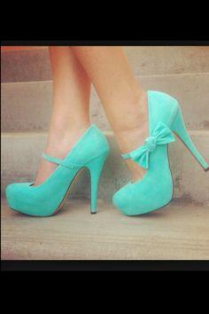 Cute Tiffany Blue heels. I WANT THEM!!!