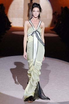 Alberta Ferretti Spring 2006 Ready-to-Wear Collection - Vogue Alberta Ferretti, Formal Gowns, Vintage Inspired, Ready To Wear, Fashion Show, Runway, Vogue, Jumpsuit, Spring Summer