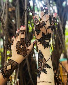 New and Trendy Bridal Mehndi designs 2020 Henna Hand Designs, Dulhan Mehndi Designs, Kashee's Mehndi Designs, Mehndi Designs Finger, Indian Henna Designs, Latest Arabic Mehndi Designs, Mehendi, Stylish Mehndi Designs, Mehndi Designs For Beginners