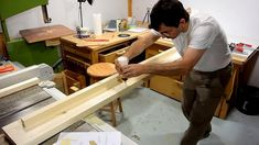 Diy Como hacer una cama de dos plazas de madera pino fácil de hacer Bed Dimensions, Furniture, Home Decor, Wood, Wood Projects, Bed Making, Full Beds, Cots, Bed Ideas