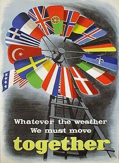"""Italia fue uno de los grandes beneficiados del Plan Marshall para la reconstrucción de Europa trás la Guerra para hacer frente al bando comunista. El país tuvo un altísimo desarrollo económico y se consolidó como potencia Europea. El desarrollo de la industria, la moda y la cultura fueron vitales para la concepción del """"design italiano""""."""
