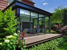 The incredible moderner wintergarten intended for cozy Indoor Outdoor Kitchen, Outdoor Living, Architecture Extension, Extension Veranda, Modern Conservatory, Glass Porch, Sunroom Addition, Garden Design, House Design