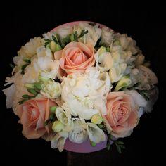 Cutie 20cm  #cutie #flori #bujori #frezii #cutiecuflori #floriincutie #cadou #flowers #peonies #freesia #roses #box #flowersbox #flowersinabox #custom #floral #arrangements #bucharest #madewithjoy #paulamoldovan #livadacuvisini #cutiecuflori #cutie #flori #floriincutie #cadou Flower Boxes, Flowers, Bucharest, Peonies, Floral Arrangements, Floral Wreath, Roses, Wreaths, Ornaments