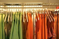 Closet Envy – 1010 Park Place Color Coded Closet, Diy Master Closet, Green Marketing, Decorating Apps, Wardrobe Closet, Envy, Interior Design, Clothes, Home Decor