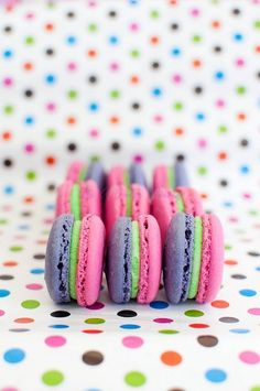 Strawberry kiwi macaroons