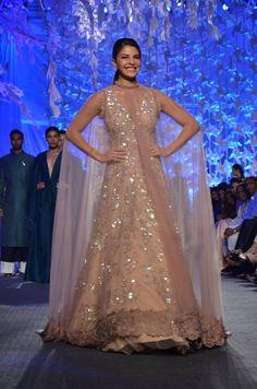 Looking to buy Indian lehenga choli online? Shop latest designer lengha choli online for women. Manish Malhotra Lehenga, Sabyasachi, Lehenga Choli, Cape Lehenga, Anarkali Suits, Sarees, Lengha Choli Online, Diwali Dresses, Choli Designs