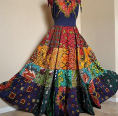 So fun looking! African Wear, African Dress, Abaya Mode, Diy Fashion, Fashion Outfits, Tribal Fashion, Ethnic Gown, Patchwork Dress, African Fashion Dresses