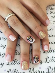Gold and pink nail art Pink Nail Art, Cool Nail Art, Pink Nails, Cute Pedicure Designs, Nail Art Designs, Get Nails, Hair And Nails, Cute Pedicures, Crazy Nails