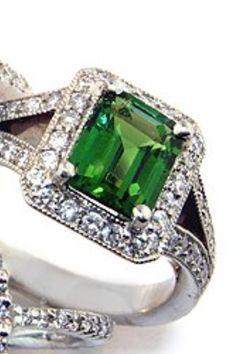 Emerald ring! #thekaratpatch #myturkeyhasbling