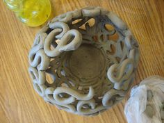 Coil Pots | East Chapel Hill High Ceramics  http://mvrooman.com/student-galleries/project-galleries-beginning/coil-pots