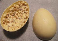 CHE GUSTO PREFERISCI? Qual è il vostro uovo di pasqua preferito? Fondente, al latte, metà al cioccolato bianco metà al cacao, con nocciole intere o con le mandorle? Intanto in attesa della Pasqua ecco qualcosa da sapere sull'uovo di Pasqua: http://goo.gl/MFPgMK  #Pasqua #pasqua2014