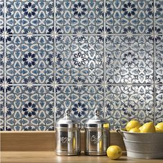 Andalucia tile splashback in Bodegas from Fired Earth Fired Earth, Beautiful Kitchens, Cool Kitchens, Home Design, Kitchen Splashback Tiles, Splashback Ideas, Kitchen Cabinets, Moroccan Kitchen, Stylish Kitchen