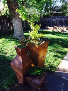 Very tall rusty pot with a young Japanese Maple tree. botanicalmetalworks@gmail.com Large Flower Pots, Metal Planters, Rusty Metal, Maple Tree, Japanese Maple, Garden, Outdoor Decor, Flowers, Home Decor